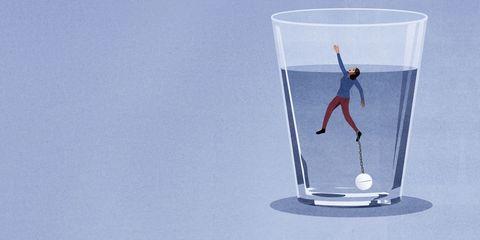 Water, Glass, Drinkware, Pint glass, Transparent material, Highball glass, Tableware,