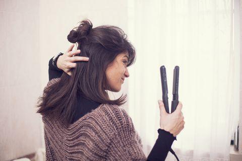 Femme, sécher, cheveux