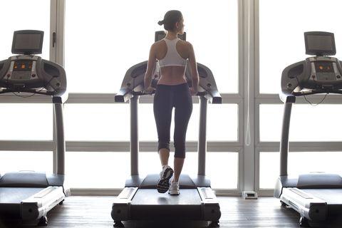 快走燃脂瘦更快!12330跑步機健走法,每天30分鐘減重13公斤
