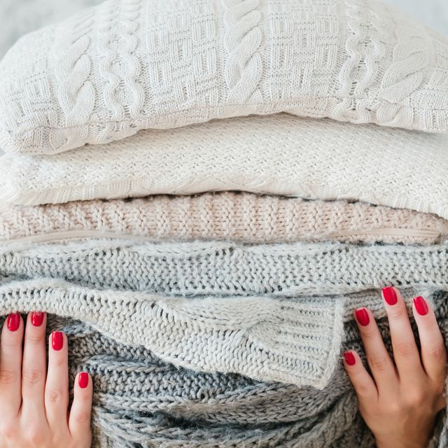 10 Best Blankets for Your Home, According to Bedding Experts