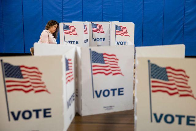 と は 人 アメリカ の 選挙