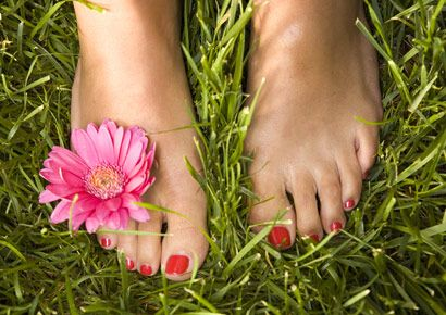 Woman: Natural Pedicure