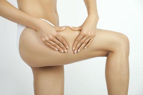 retención de líquidos debajo de las rodillas