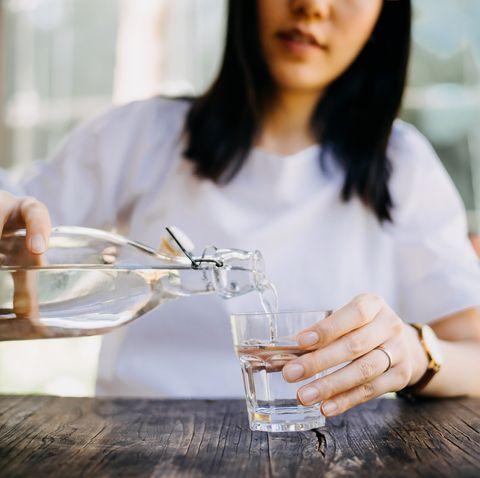 疫苗接種前要多喝水? covid19疫苗接種前後10項生活作息與飲食重點必筆記