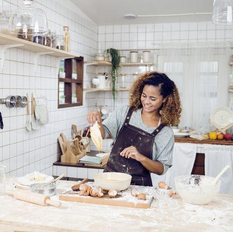 woman preparing for cookie