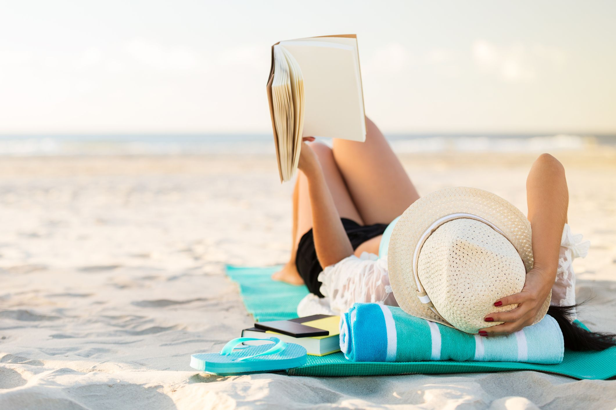 The 10 Best Beach Reads For Your Next Vacay