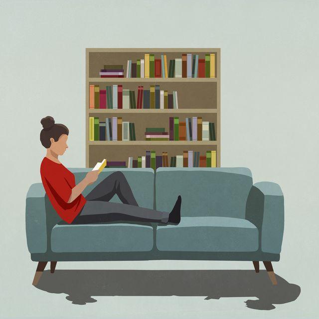 ilustración de mujer leyendo en el sofá