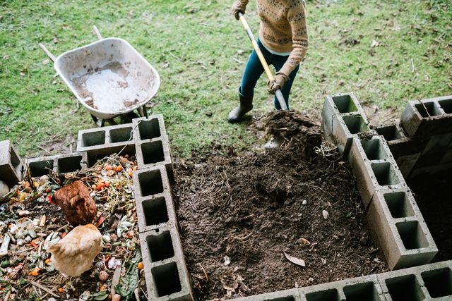 how to compost, a guide to composting, diy composting