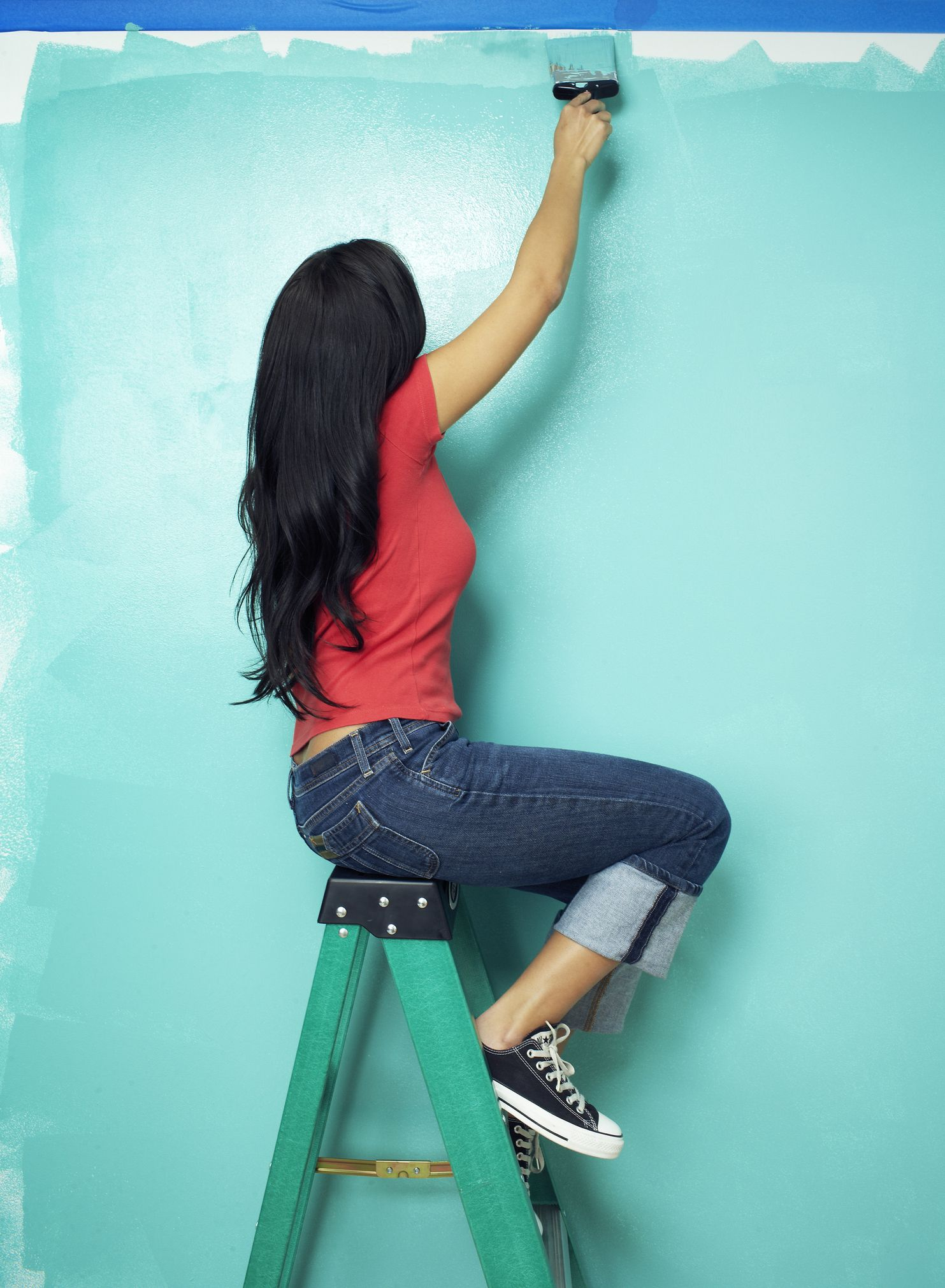 Water-based Paint Vs. Oil-Based Paint - How to Choose the Right Paint for  Your Project