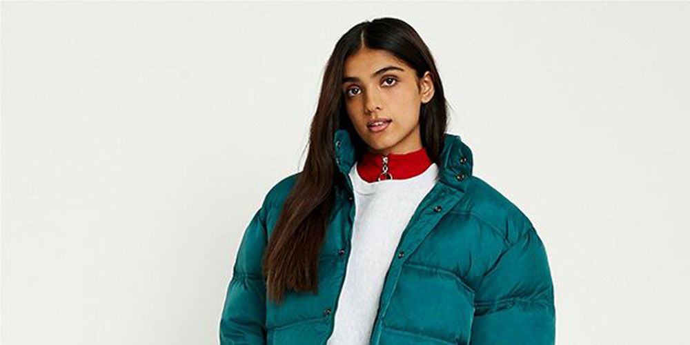Woman Urban Outfitters Puffer Jacket Fail