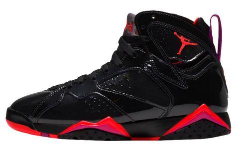 Shoe, Footwear, Black, White, Outdoor shoe, Red, Basketball shoe, Sneakers, Walking shoe, Athletic shoe,