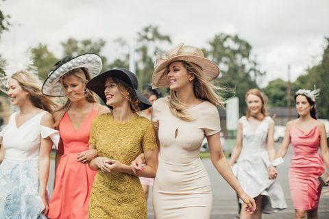 e3e8c8268a9e Vestiti da cerimonia più belli per i matrimoni del 2019