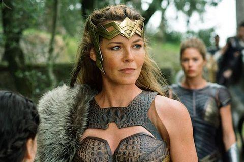 Звезда фильма «Чудо-женщина 1984» обращается к сиквелу DC с неоднозначной реакцией