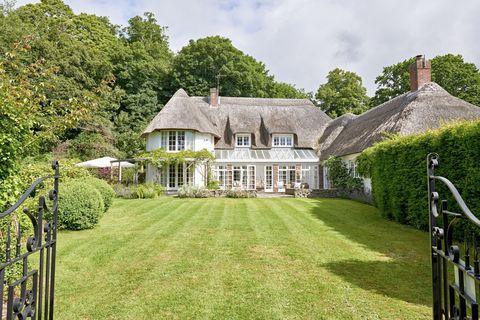 Property, House, Estate, Home, Cottage, Building, Farmhouse, Lawn, Real estate, Grass,