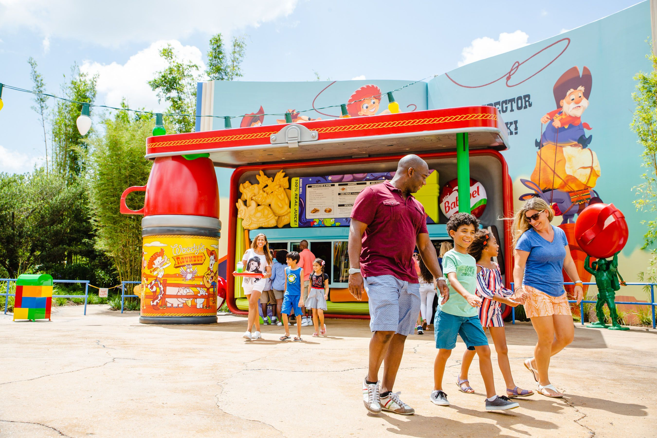Woody S Lunch Box At Disney S Toy Story Land Features A Nostalgic Menu
