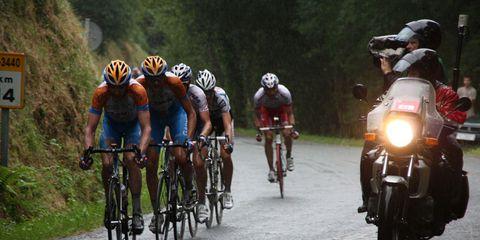 garmin team riders in rain