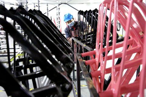 carbon fiber bicycle production