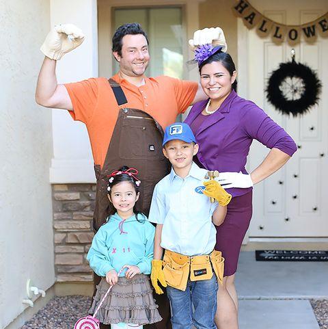 Cute Family Disney Halloween Costumes.57 Family Halloween Costumes Addams Family Flintstones And More