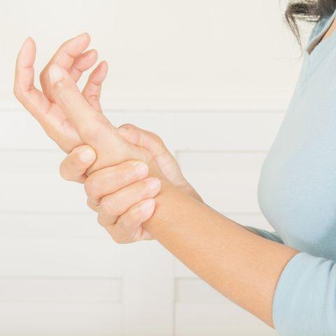 wrist pain in older women