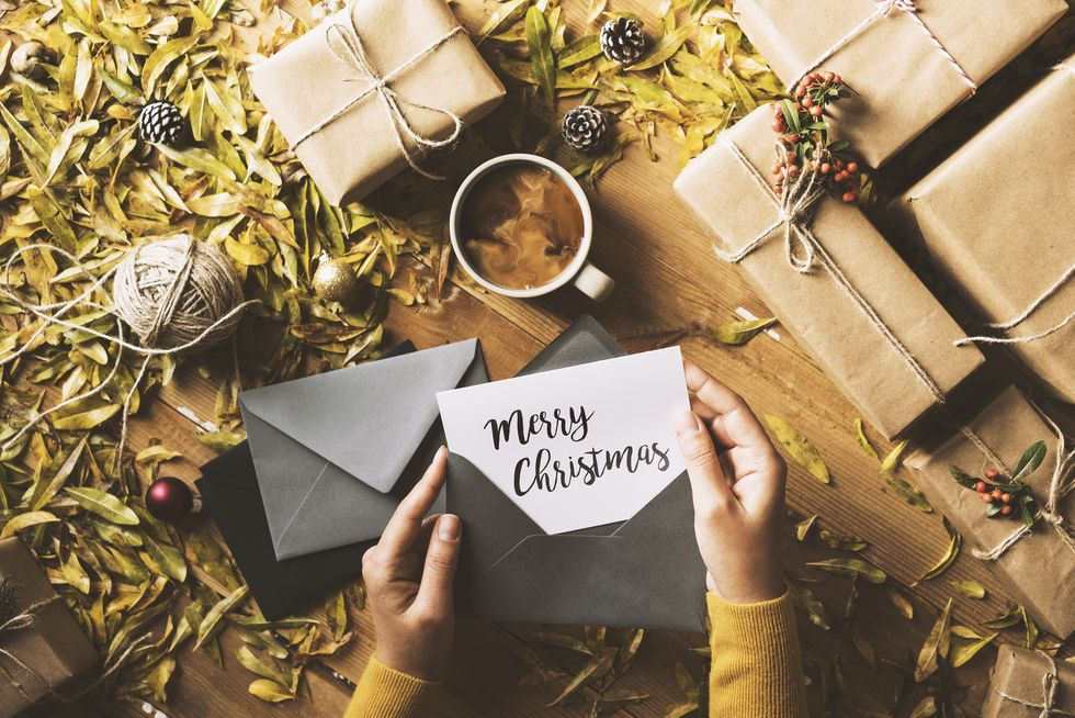 Here's What to Write in a Christmas Card This Year