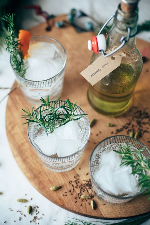 Drink, Gin and tonic, Herb, Food, Distilled beverage, Rosemary, Mojito, Shrub, Fizz, Ingredient,