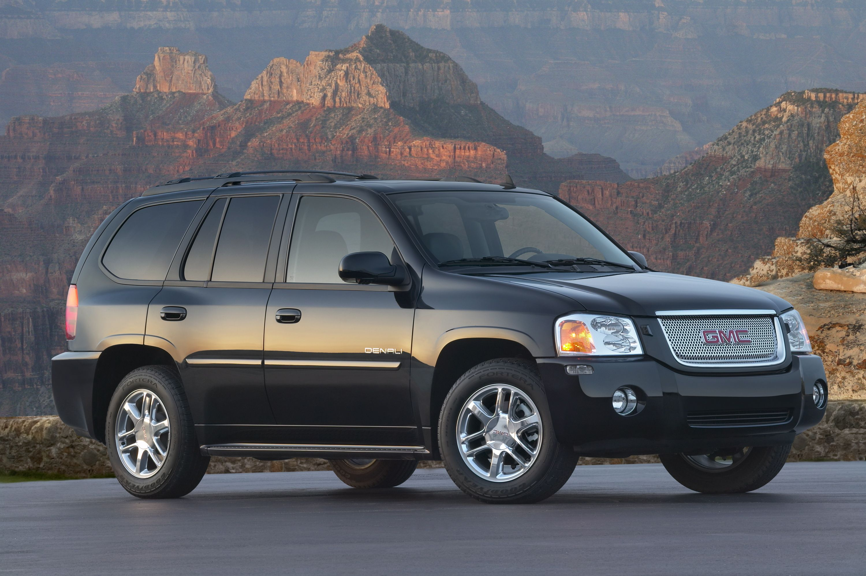 Gmc Envoy Features And Specs
