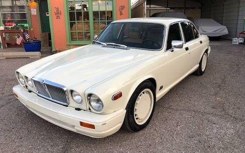 Land vehicle, Vehicle, Car, Luxury vehicle, Sedan, Classic car, Personal luxury car, Coupé,