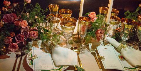Centrepiece, Candle, Floristry, Flower Arranging, Flower, Floral design, Meal, Tableware, Table, Cut flowers,