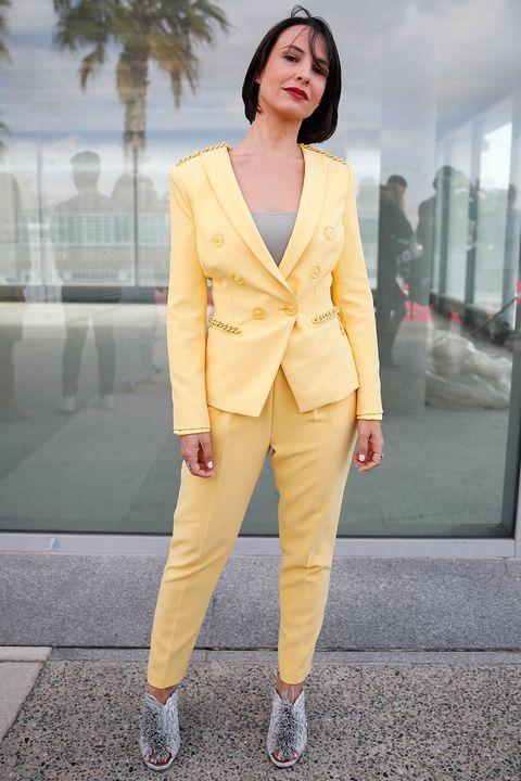 El traje de chaqueta es el nuevo 'LBD' y nuestras famosas ya se han dado cuenta de ello. De Carla Pereyra a Julia Roberts pasando por Maggie Civantos, ¿con qué estilo y color te quedas?