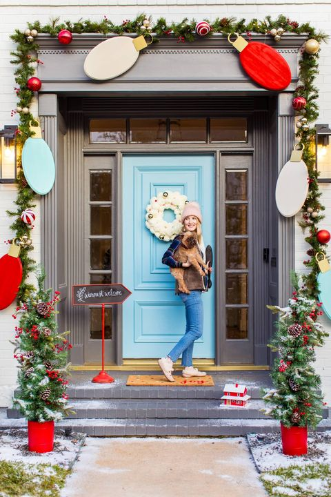 Outdoor Christmas Decorating Trends 2020 80 Best Christmas Decoration Ideas 2020   Easy Holiday Home Decor