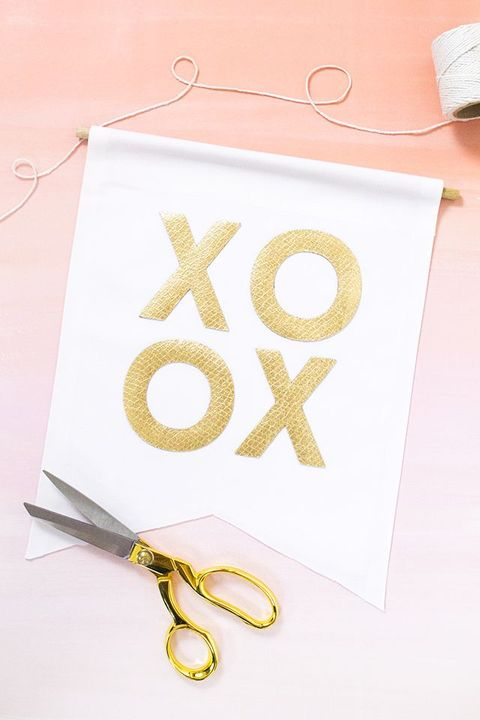 xoxo wall hangings valentines day decor