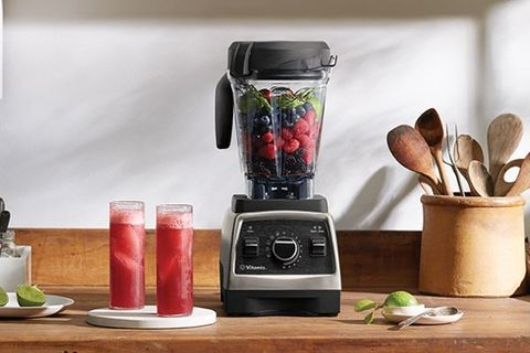 Blender, Small appliance, Mixer, Kitchen appliance, Home appliance, Food processor, Smoothie, Juicer, Drink, Room,