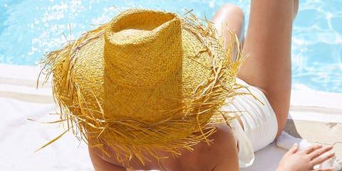 People in nature, Yellow, Beauty, Summer, Human leg, Skin, Leg, Fun, Blond, Vacation,