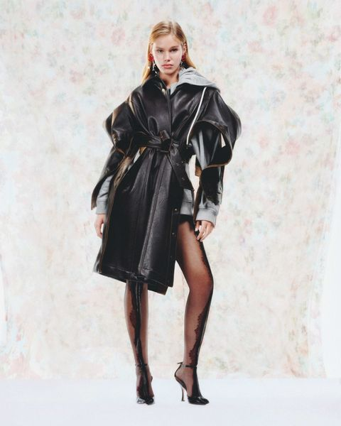 Clothing, Sleeve, Shoulder, Textile, Joint, Style, Knee, Dress, Fashion, Leather,