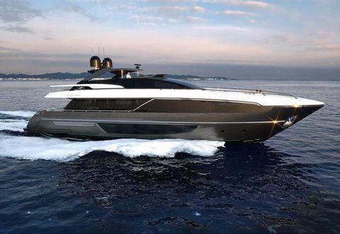 Watercraft, Liquid, Transport, Water, Boat, Naval architecture, Speedboat, Horizon, Ocean, Fluid,