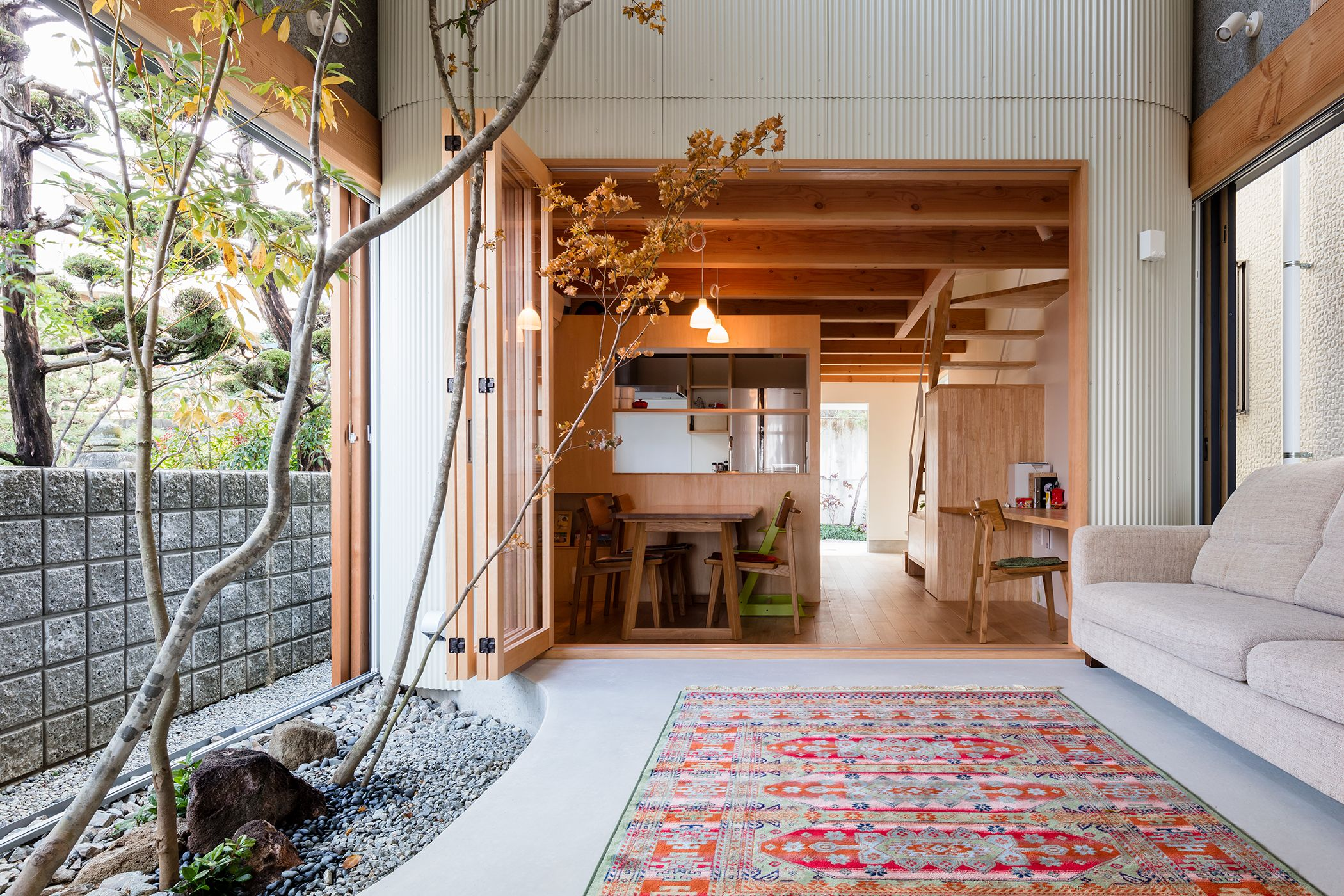 Arredamento Casa Western a tiny house in osaka complete with an indoor tree