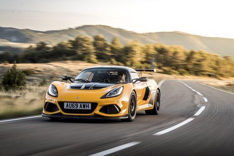 Land vehicle, Vehicle, Car, Supercar, Sports car, Automotive design, Performance car, Lotus exige, Coupé, Yellow,