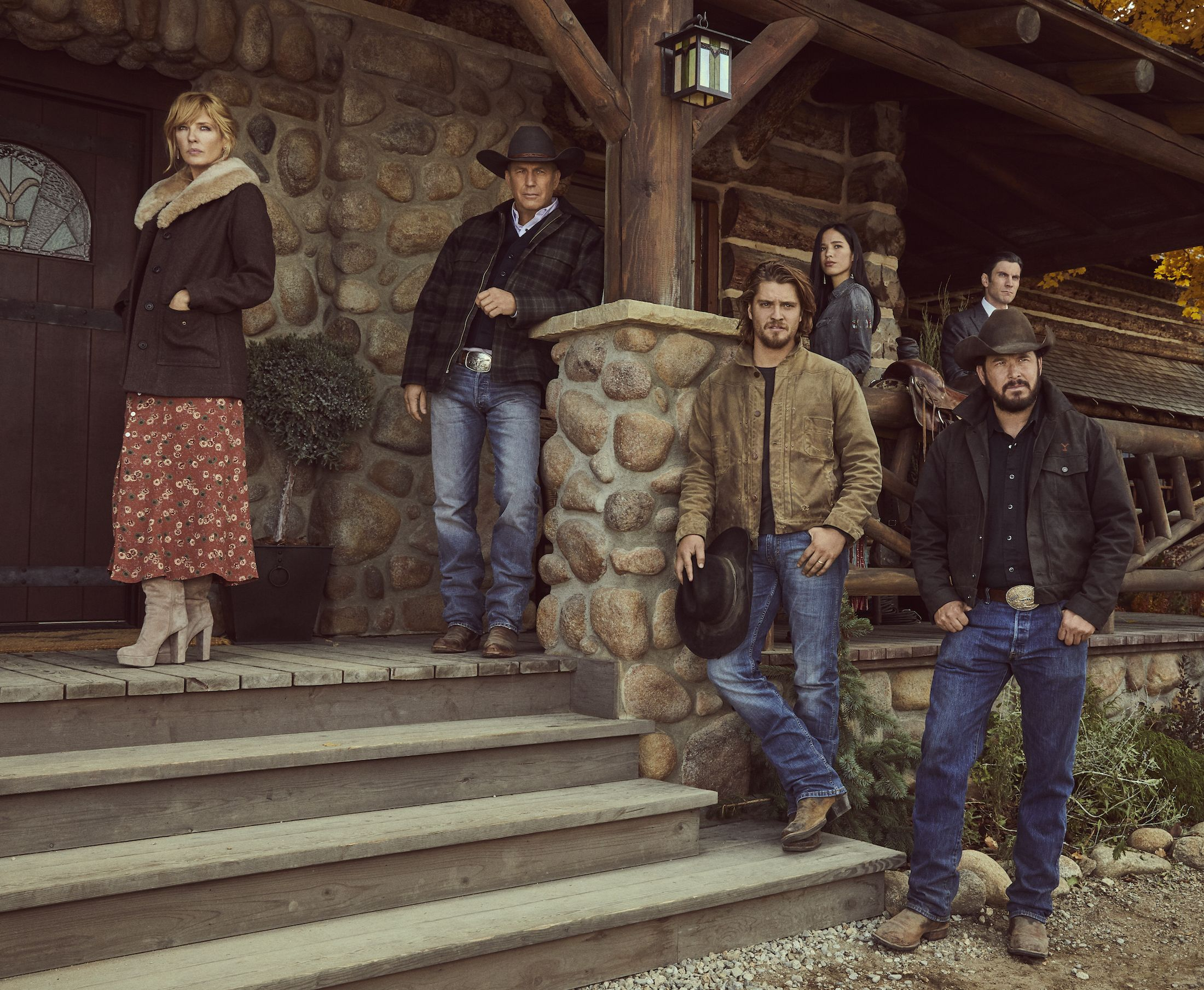 Yellowstone' Season 2 Cast - 'Yellowstone' Show Cast Info