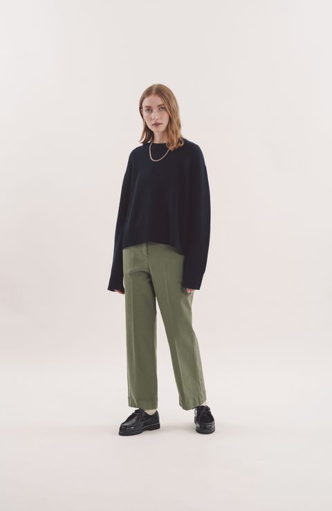 Sleeve, Trousers, Shoulder, Standing, Joint, Collar, Style, Khaki, Knee, Street fashion,