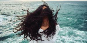 Perché i capelli fanno male e come risolvere il problema