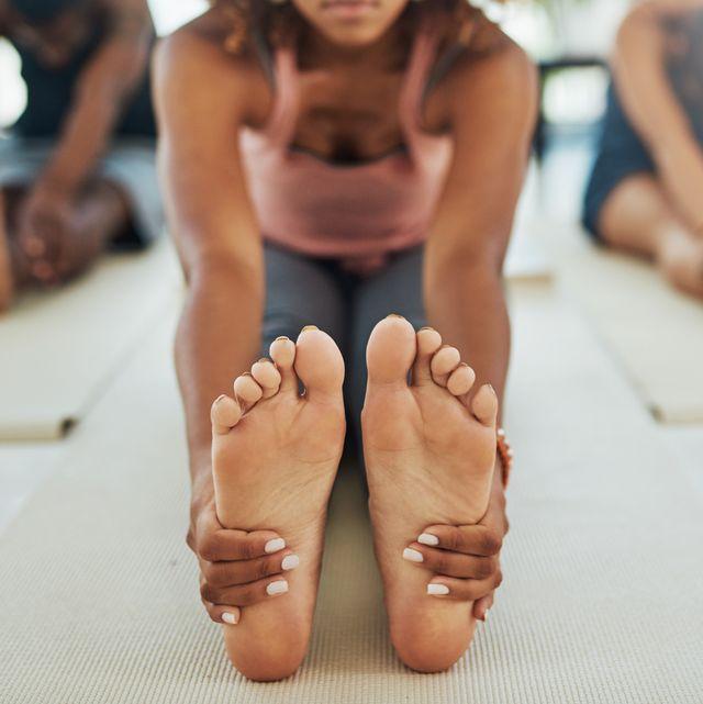 skin peeling off toes