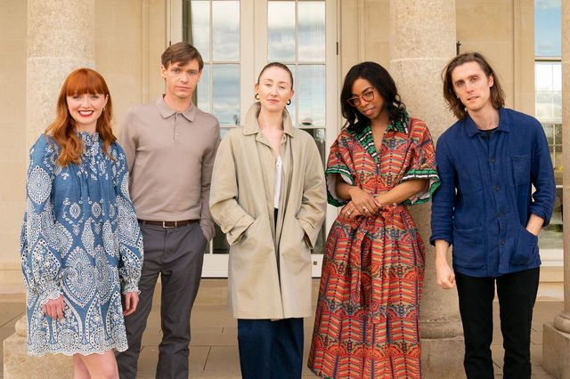 the cast of chloe