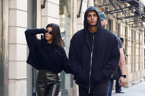 Whos courtney kardashian dating