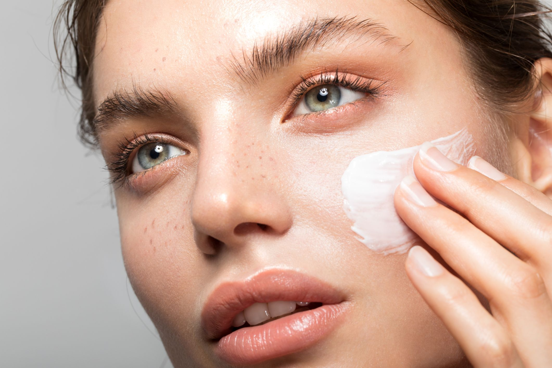 What Retinol Is and Why You Should Use It - How to Use Retinol in Skincare  Routine, Product Benefits