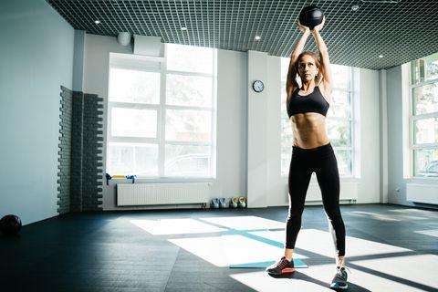 جرو، جذاب، المرأة، التمرين، ب، كرة الطب