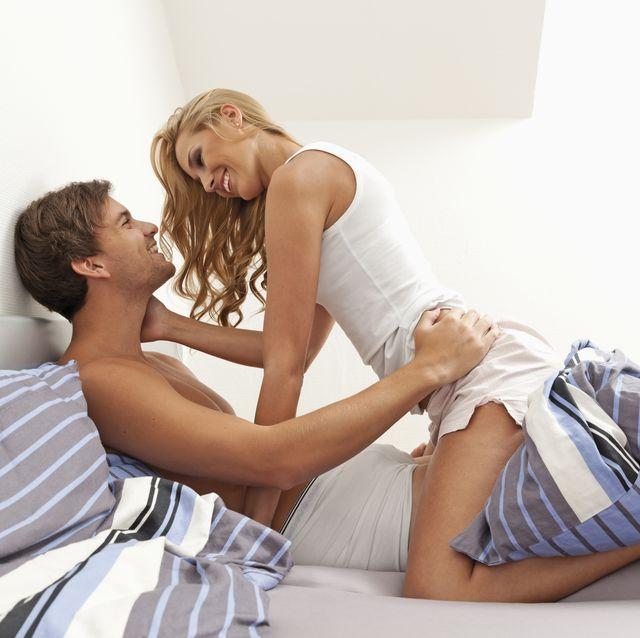 sexo con ella encima,12 posturas para llenarte de placer