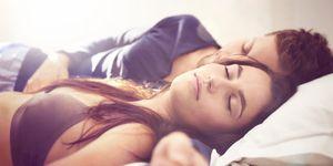 dormir con sujetador