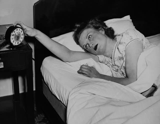 poner el despertador