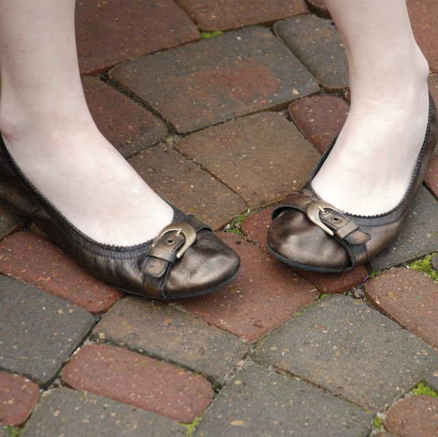 Young girl's Flat Shoes with Toes Turned In