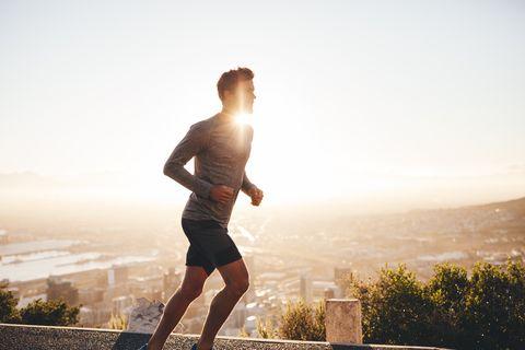 young man on morning run, 夏,猛暑,エクササイズ